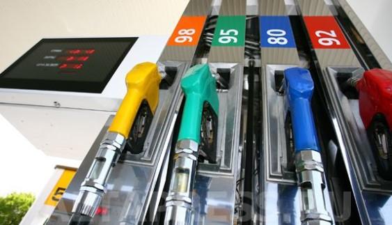 Хто найбільше за всіх «бодяжить» бензин в країні