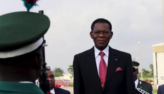Ви будете вражені: на чому їздить президент Гвінеї