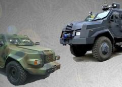 """Порівняння бронеавтомобілів """"Барс-8"""" і """"Варта-2"""""""