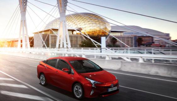 Гібрид Toyota Prius встановив рекорд