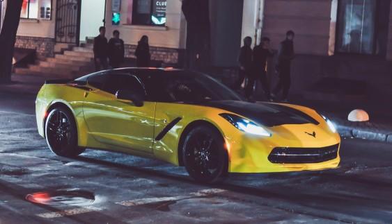 """В Україні """"засвітився"""" другий суперкар Chevrolet Corvette C7 Stingray"""
