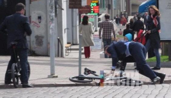 Кличко впав з електробайка за 5000 євро (фотофакт)