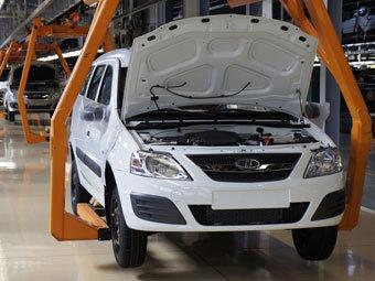 """Виробництво автомобілів у Росії різко """"обвалилося"""""""