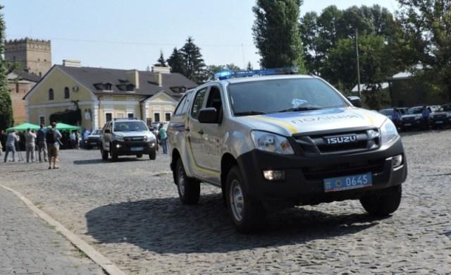 police-isuzu-d-max