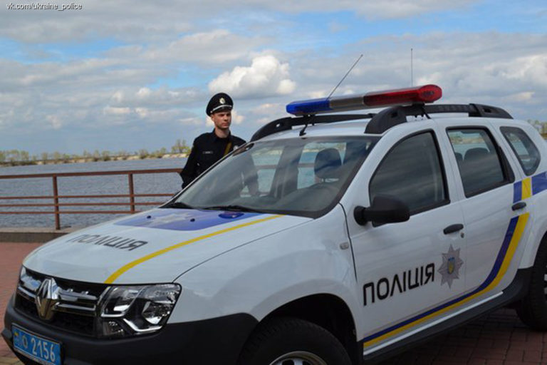 politsiya-peresela-s-toyota-prius-na-katery-video-1