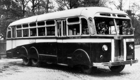 Незвичайні радянські автобуси, здатні розігнатися до 160 км/год
