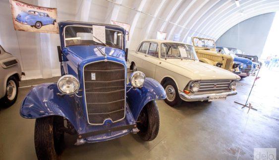 У Києві показали приголомшливі ретро-автомобілі: опубліковано фото