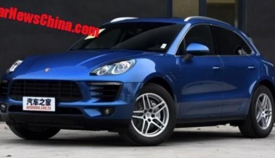 У всій красі: китайський клон Porsche Macan засвітився на дорогах