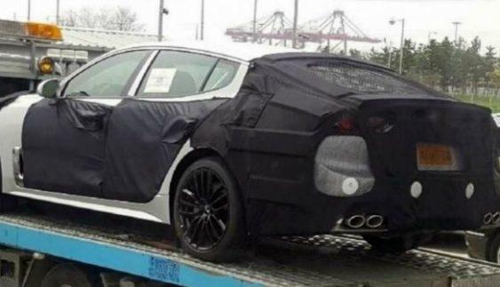 Новий серійний спорткар Kia вперше сфотографували на тестах