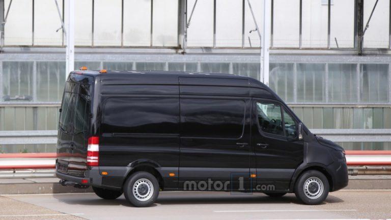 1462439110_2018-mercedes-benz-sprinter-spy-shots-1