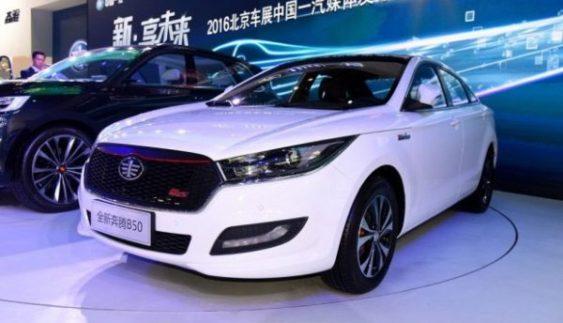 Розсекречено інтер'єр нового дешевого седана із Китаю