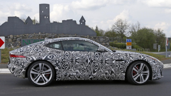 2017-jaguar-f-type-with-four-cylinder-engine-spy-photo-2
