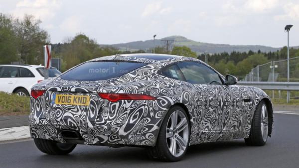 2017-jaguar-f-type-with-four-cylinder-engine-spy-photo-3