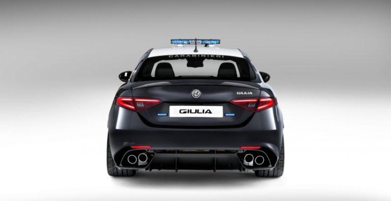 21084-1462500265-zaryazhennyy-sedan-alfa-romeo-guilia-qv-postupil-na-sluzhbu-v-italyanskuyu-policiyu