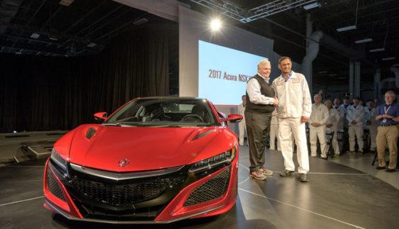 Перший серійний суперкар Acura NSX зійшов з конвеєра