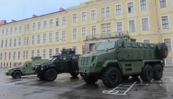 У Львові презентували бронеавтомобілі КрАЗ (Фото)
