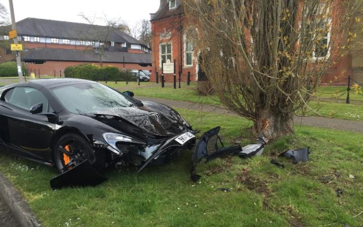 96911961-crashed-McLaren-650S-CARS-restricted-large_trans-EDjTm7JpzhSGR1_8ApEWQA1vLvhkMtVb21dMmpQBfEs