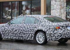 З'явилися шпигунські фото нового Lexus