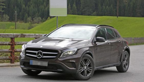 Mercedes вивів на тести загадковий компактний кросовер (Фото)