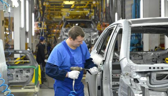 Російський автопром показав чергове потужне падіння