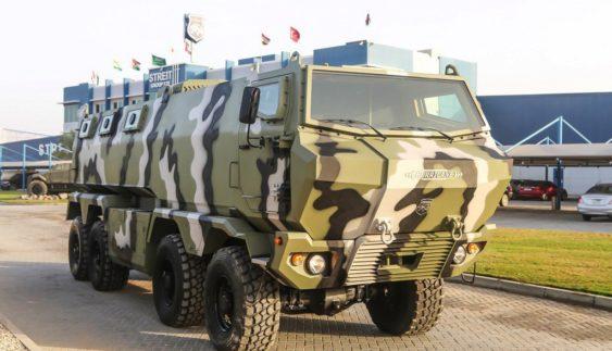 """КрАЗ """"Ураган"""" — український бронеавтомобіль з колісною формулою 8х8"""