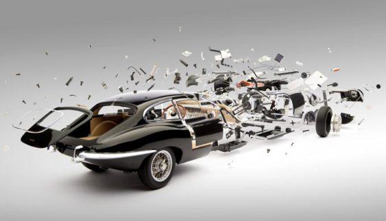 Швейцарець підірвав декілька класичних спортивних автомобілів