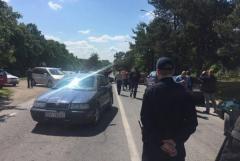 Водії з іноземними номерами блокували рух на українсько-словацькому кордоні (ФОТО)