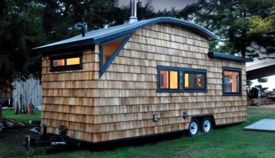 Будинок на колесах, в якому є все для комфортного життя