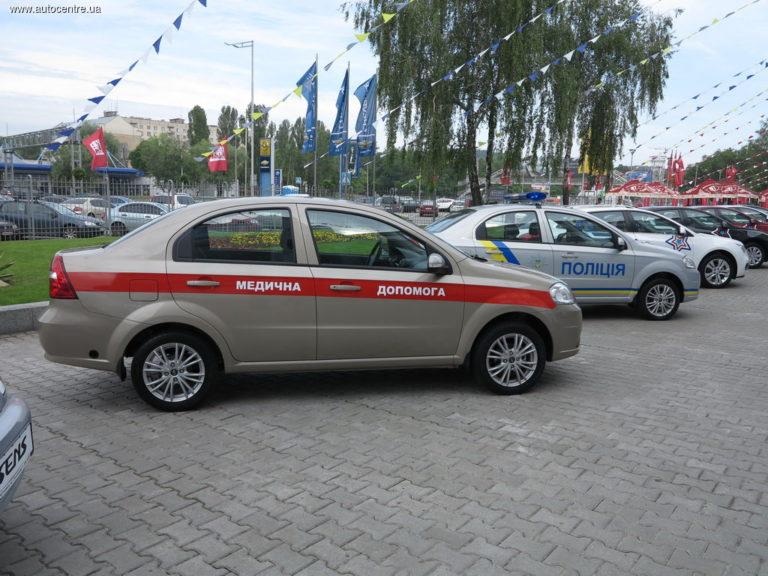 zaz-pokazal-novye-avtomobili-dlya-politsii-i-medikov-video_3