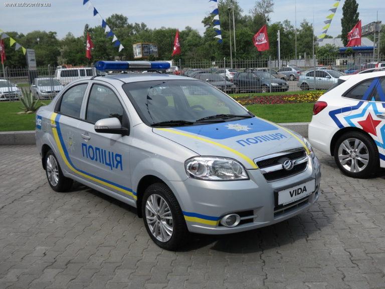 zaz-pokazal-novye-avtomobili-dlya-politsii-i-medikov-video_5