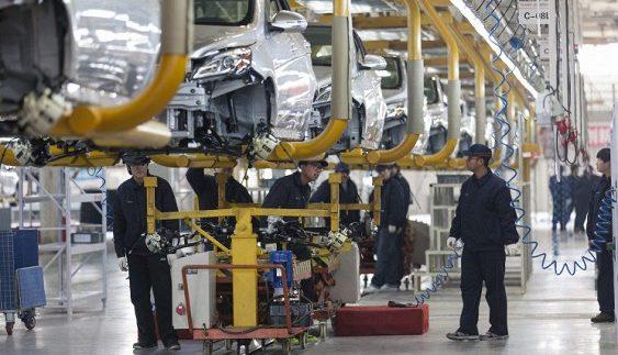 Nissan починає випуск бюджетного електрокара