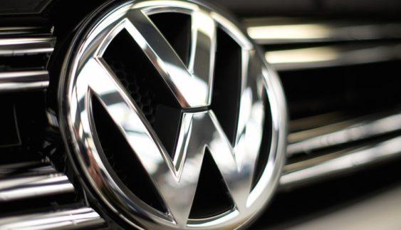 Volkswagen інвестує у виробництво акумуляторів