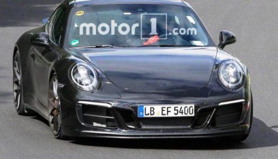 Porsche 911 в версії GTS помічений на тестах