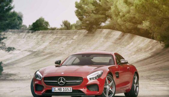 Оголошено вартість родстера Mercedes-AMG GT 2017