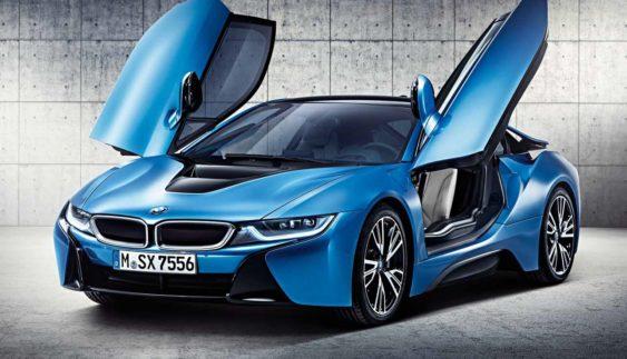 BMW i8 Spyder зняли під час тестування на трасі Нюрбургринга (Відео)