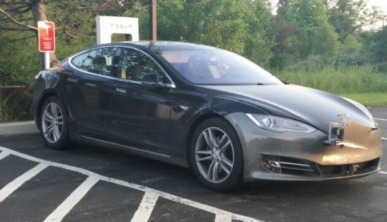 Tesla Model S готується до важливого оновлення (Фото)