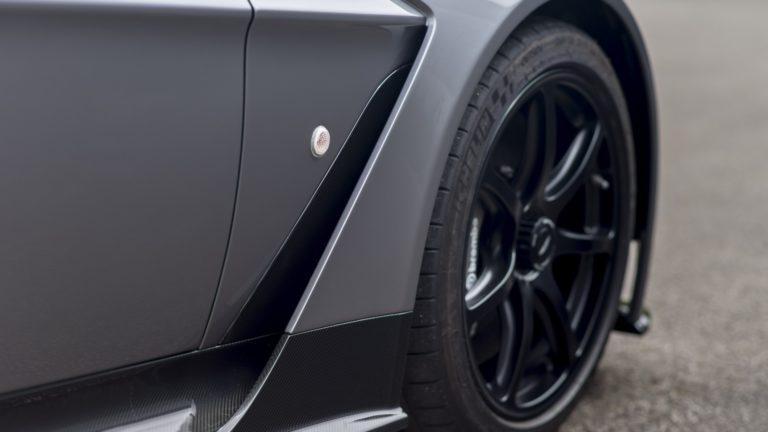 aston-martin-vantage-gt12-roadster-10