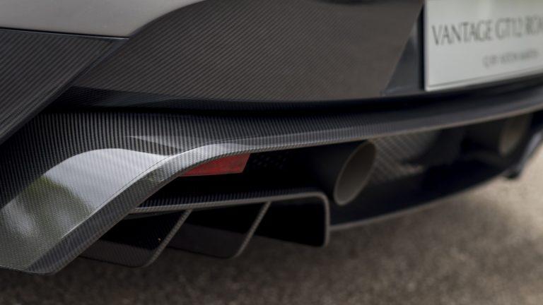 aston-martin-vantage-gt12-roadster-12
