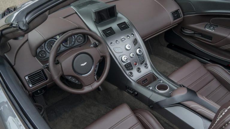 aston-martin-vantage-gt12-roadster-13