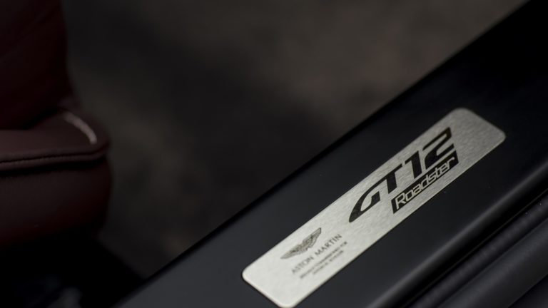 aston-martin-vantage-gt12-roadster-21