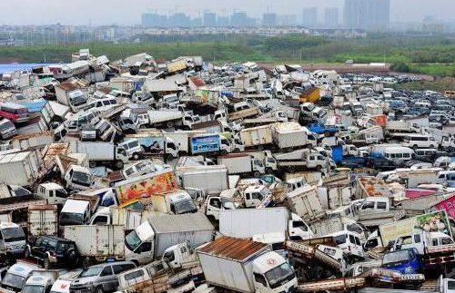 Вражаюче видовище: куди китайці дівають старі автомобілі