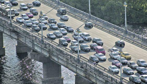 Київські водії не люблять пропускати пішоходів