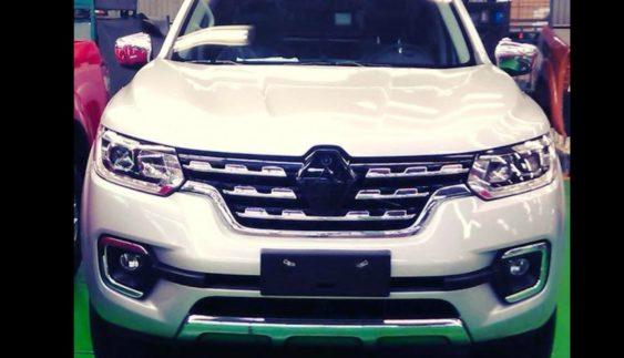Серійний пікап Renault розсекретили до прем'єри (фото)