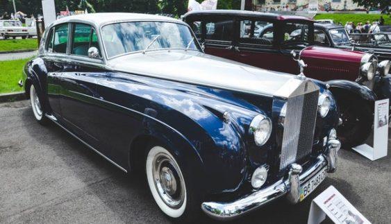 У Львові помітили унікальний раритетний Rolls-Royce (Фото)