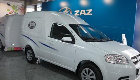 ЗАЗ презентував фургон з містким причепом (Фото)