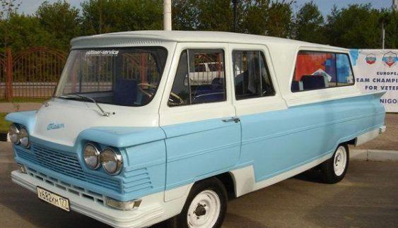 """Унікальне авто України: мікроавтобус """"Старт"""" з пластиковим кузовом"""