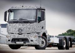 Mercedes показав електричну вантажівку (Фото)