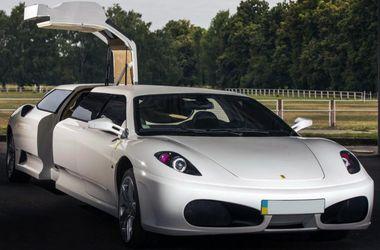 """В Італії засвітився підроблений лімузин Ferrari з українською """"пропискою"""""""