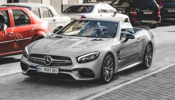 Новий дорогий кабріолет Mercedes-AMG SL63 у Львові (Фото)