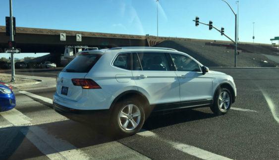 Подовжений Volkswagen Tiguan помітили на дорогах (Фото)